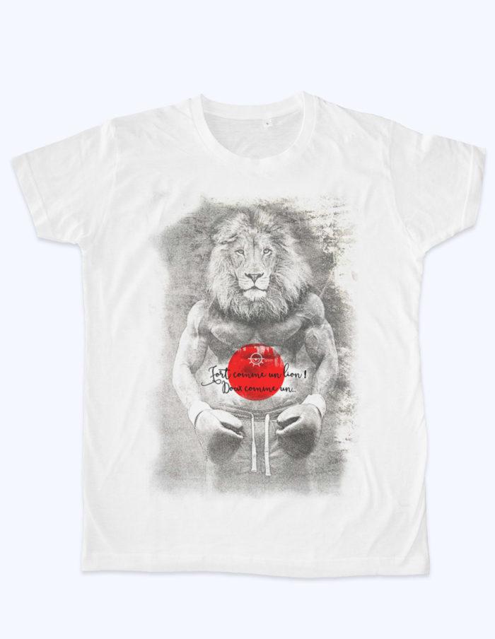 Fort comme un lion 700x904 - T-shirt blanc Fort comme un lion