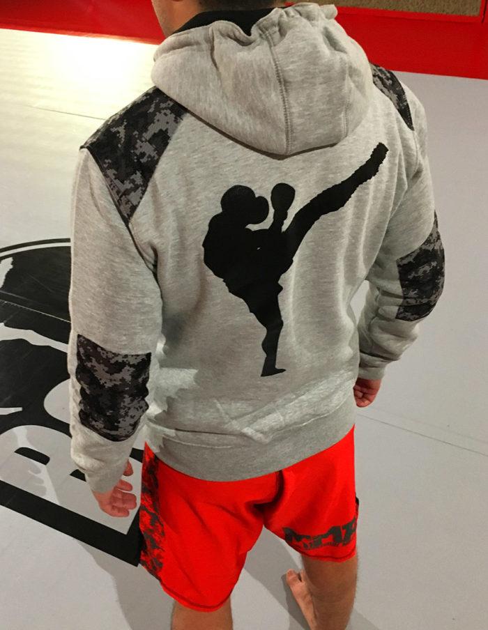 Dos du hoodie MMA camouflage gris chiné de la marque 2th-ink