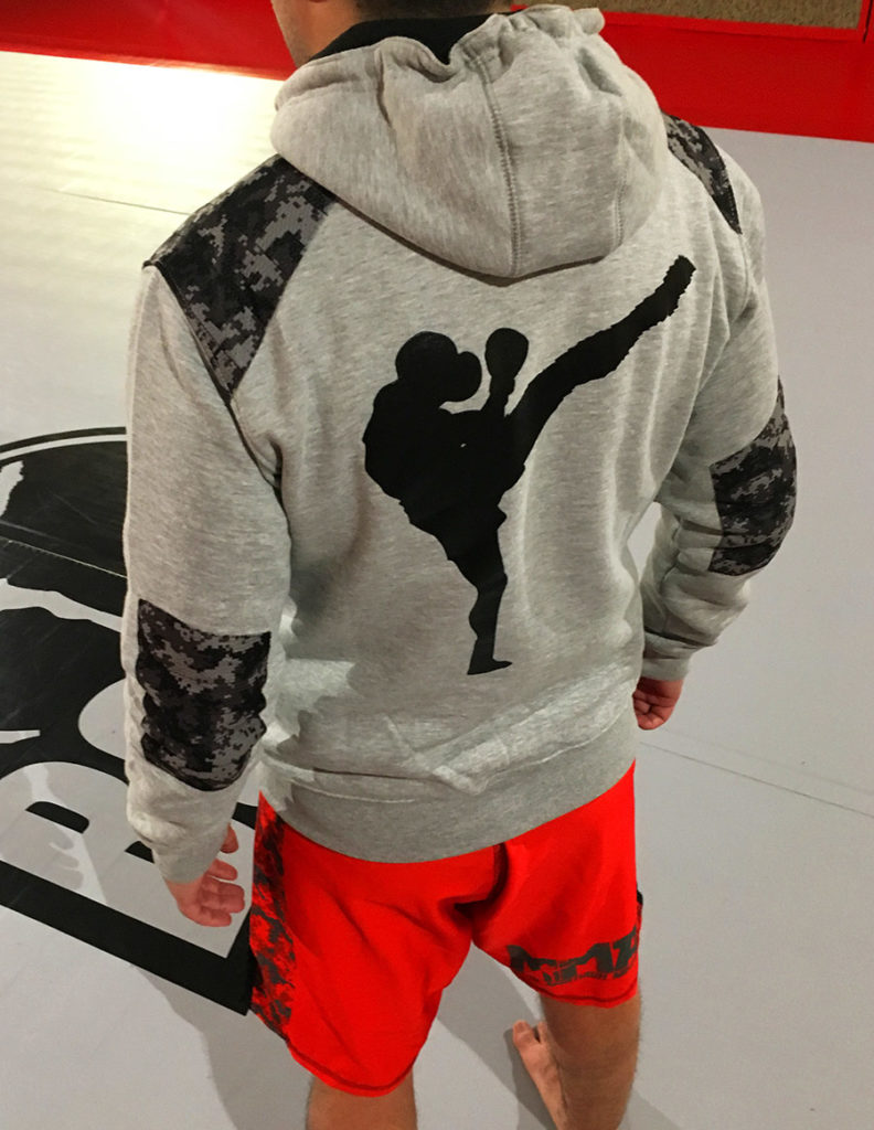 veste mma brode dos 2think 792x1024 - Accueil