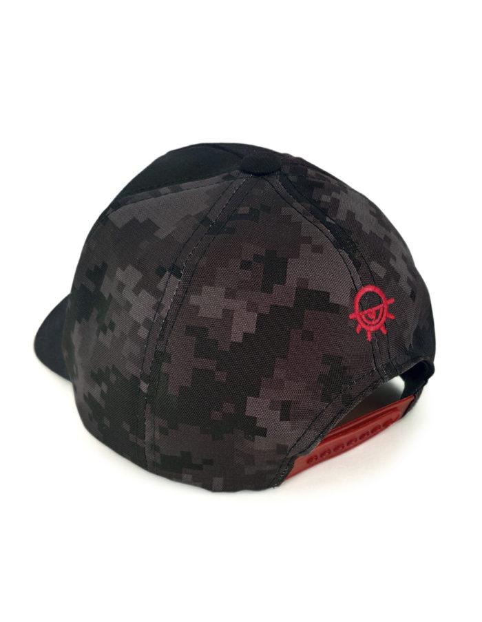 Casquette pixel CAM noir, broderie MMA rouge sur le devant, logo sur l'arrière