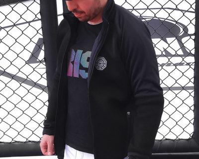 veste mixte jacket noir porte 3 4 face 400x320 - Accueil