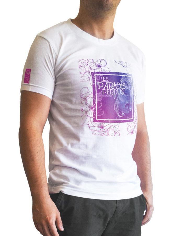 T-shirt homme, les paradis perdu, porté de trois quart